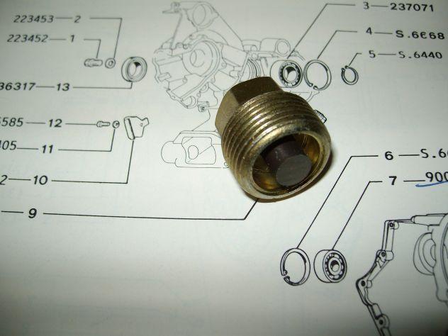 TAPPO Magnetico Vespa 50 N Articolo  235218 - Foto 4