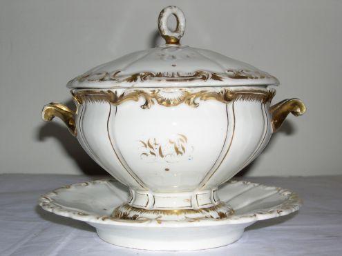 Ceramica antica zuppiera con decorazioni in oro zecchino