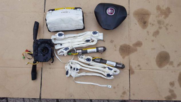 Kit airbag STEMMA ROSSO. Per GRANDE PUNTO con tendine guidatore e passegero