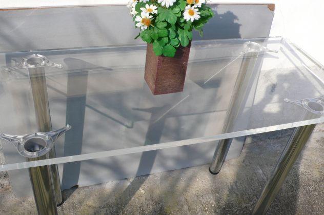Tavoli plexiglass con gambe cromate design expo