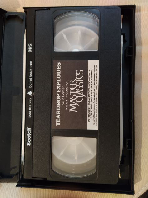 R65-  VHS cassette  - FILM/ALTRO
