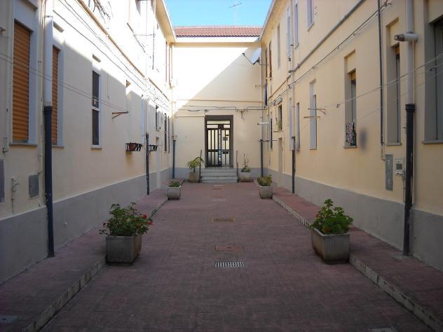 posto letto in stanza indipendente zona provinciale mq 50 affitto Euro 165