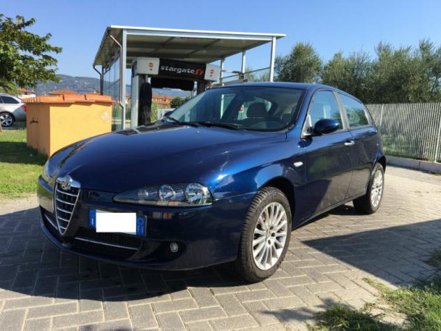 Alfa Romeo 147 147 1.9 JTD (120) 5 porte Distinctive - Foto 2