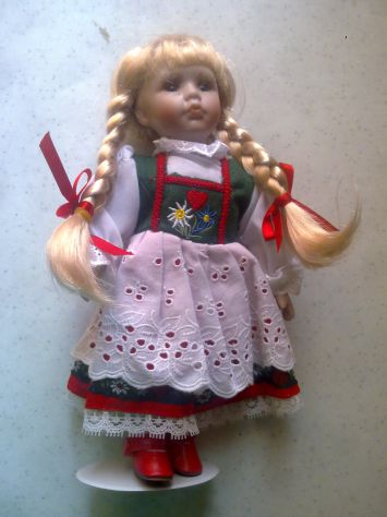 Bambola porcellana Edeltraut Hofmann
