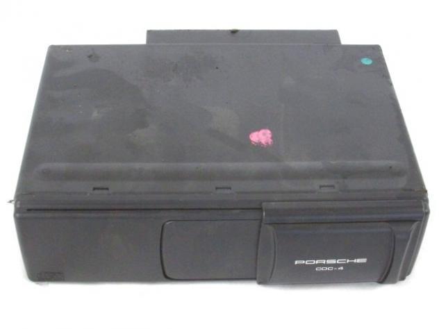 7L5035111D CARICATORE CD PORSCHE CAYENNE S 4.8 283KW 5P B AUT 4X4 (2008) RI …