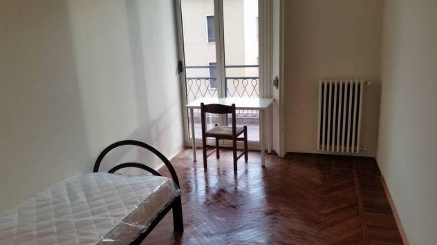 VIA SOLFERINO :disponibili stanze da € 270,00 - Foto 2