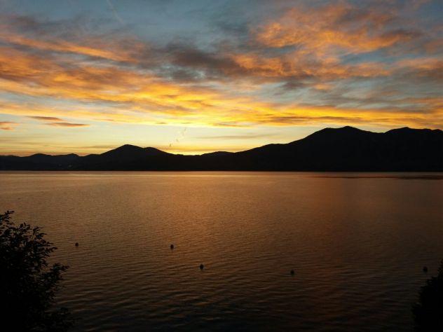 in vacanza con amici sul lago Maggiore, in appartamento