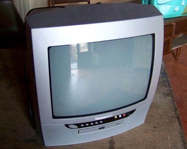 TV 14 pollici Techwood TK1422 Vendo TV a colori 14 pollici