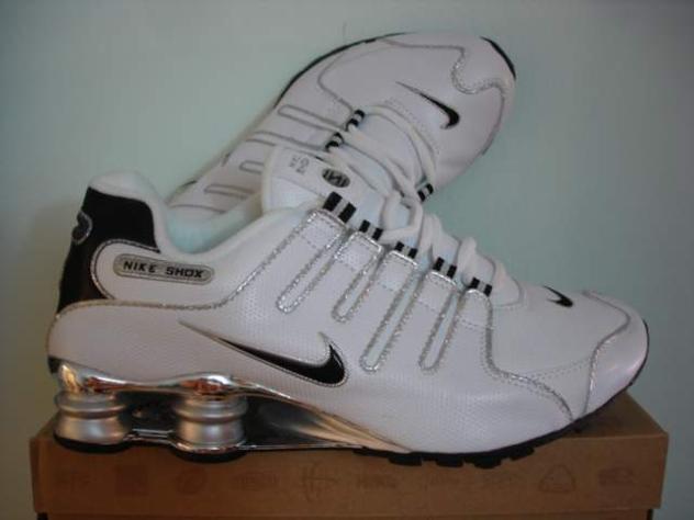 cerco scarpe nike shox