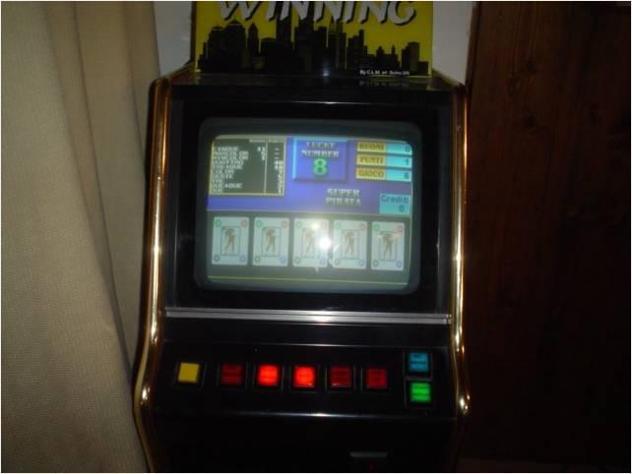 Videogioco con quattro schermi Usato