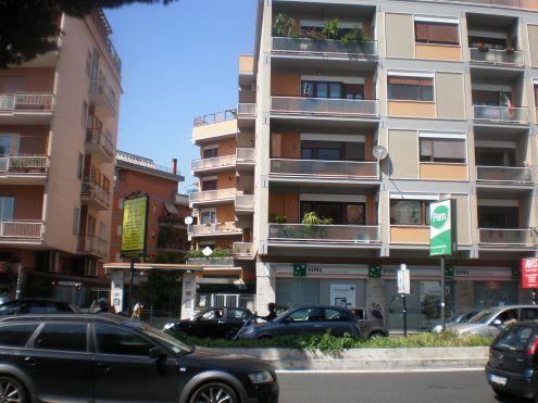 Piazza Irnerio - Ufficio 30 mq libero