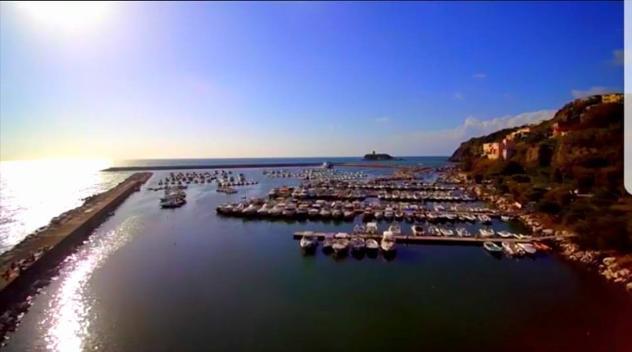 barca a motore FIART MARE vari affari listaprivati anno 2017 lunghezza mt 8