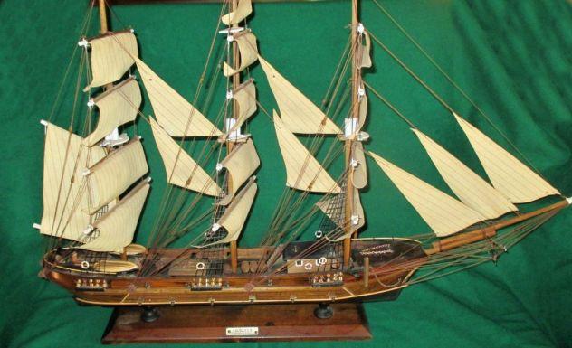 Antico modello di veliero spagnolo FRAGATA siglo XVIII