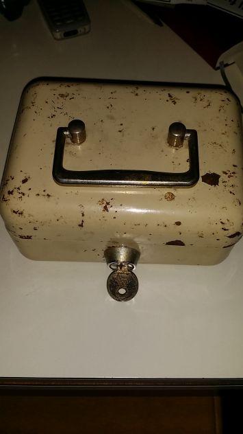 Cassetta ferro anni 50