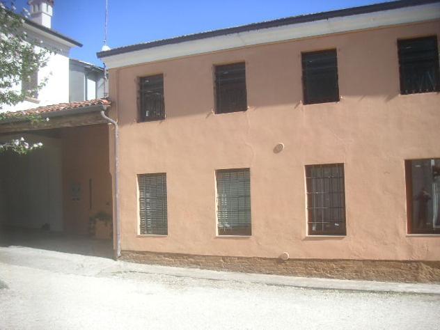 villa a schiera CENTRO STORICO COMOD mq 120 Euro 99 - Foto 3