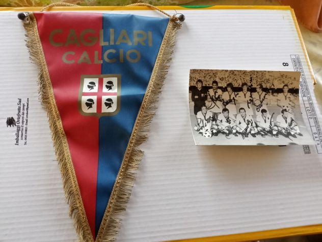 Gagliardetto + foto autogr cagliari calcio 1972
