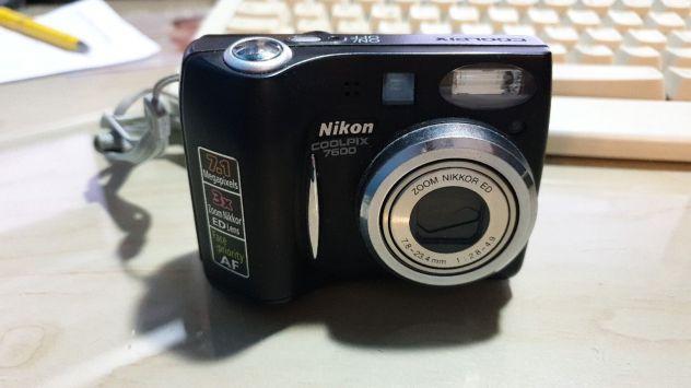 Macchina fotografica Nikon coolpix 7600