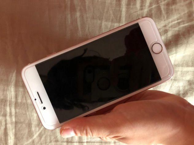 Iphone 7 Rose Gold 128gb SOLO PEZZI DI RICAMBIO