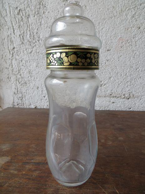 Vecchio vaso in vetro