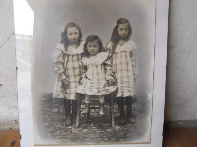 foto del 1890 sorelle a Nucetto (CN)