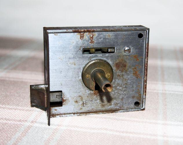 ANTICA SERRATURA DA APPLICARE con chiave - FUNZIONANTE - Foto 6