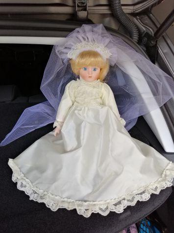 Bambola di porcellana sposa