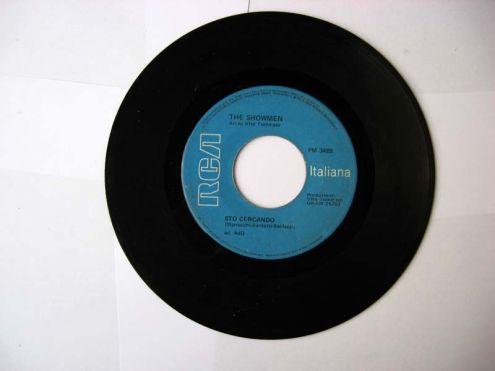 45 giri del 1969-THE SHOWMEN-Sto cercando - Foto 2