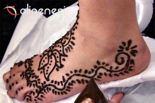Corsi di FORMAZIONE PROFESSIONALE IN TatuaggiO SemipermanentE con Hennè: To … - Foto 2