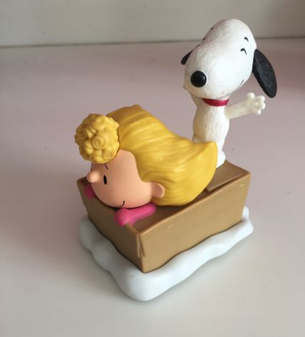 Gadget Peanuts Sally Brown e Snoopy