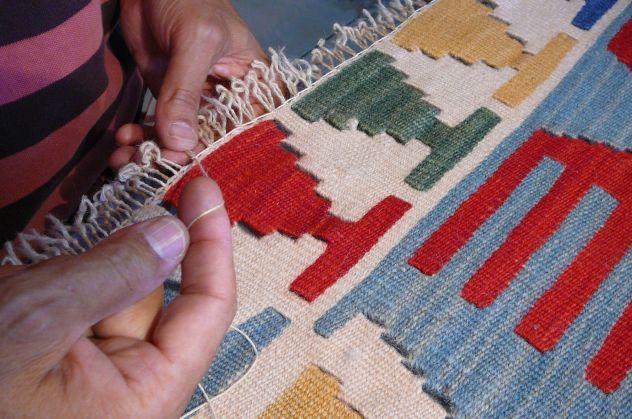 Pulizia e restauro tappeti Latisana, 25% sconto lavaggio tappeti persiani - Foto 3