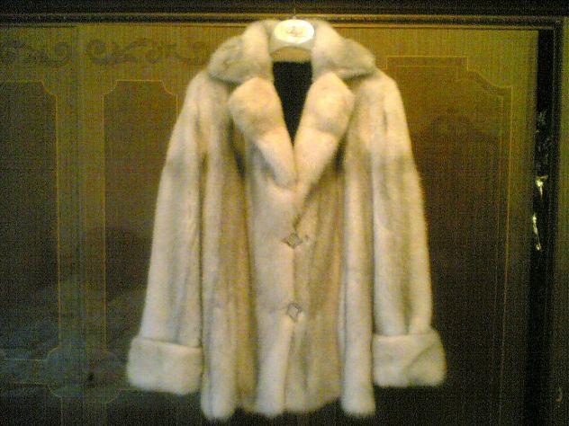 Su Annunci Femminile Privati Verona Abbigliamento Abiti A Da Usati gU8gtwq