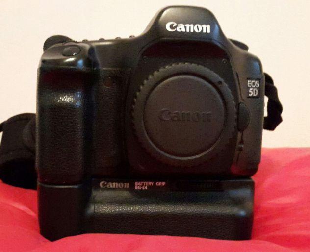 Canon 5D + battery grip + scatola