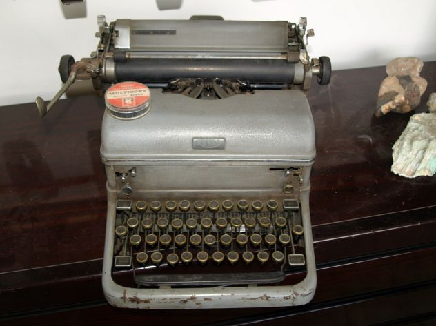 Macchina da scrivere Royal anni 30-40
