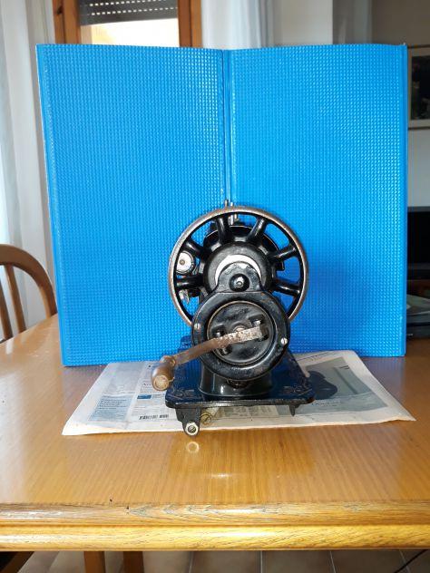 Antica macchina da cucire - Foto 2
