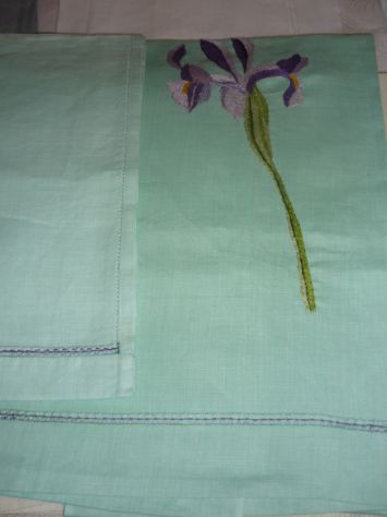 Tovaglie,asciugamani,grembiuli,centrini ricamati o dipinti a mano - Foto 7