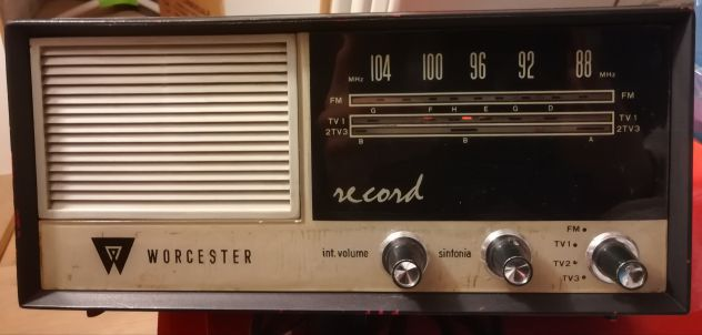 RADIO A VALVOLE ANNI 60' FUNZIONANTE.