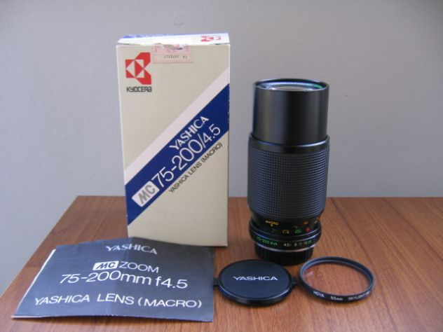 YASHICA MC ZOOM MACRO 75-200 mm. f/4.5 - Y/C
