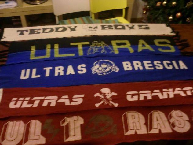 Vecchie sciarpe e adesivi da stadio ULTRAS cerco in regalo