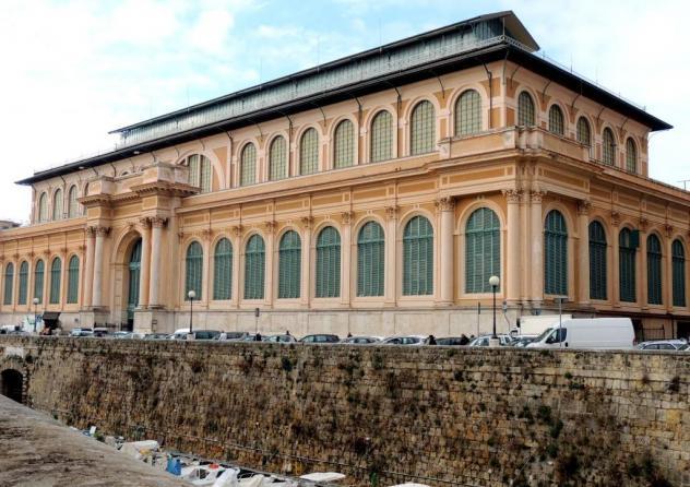 Locale comm.le/Fondo in vendita a Livorno 120 mq  Rif: 886531
